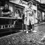 Vicki Moritz - Paris pigeon wrangling