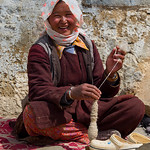 Jill Shaw - Spinning wool in Ladakh